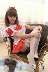 http://img143.imagevenue.com/loc1/th_104920912_tduid300163_Silver_Sandrinya_maid_1_022_122_1lo.JPG