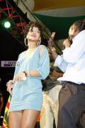 Rihanna in sexy legs and gorgeous Performs at Hope for Haiti in London - Jan 22 Foto 1739 (Рианна в сексуальных ног и великолепный выступает на Надежда на Гаити в Лондоне - 22 января Фото 1739)
