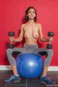 Belle-Wood-Belle-Doing-Her-Fitness-x176-3000px-b6ow28ub6m.jpg