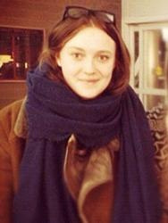 Dakota fanning BRUNETTE!!!