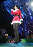 Katy Perry - Страница 2 Th_51983_Celebutopia-Katy_Perry_performs_during_the_ski_winter_opening_in_Ischgl-14_122_445lo