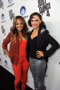 http://img143.imagevenue.com/loc55/th_310412940_ChristinaMilian_JustDance4Launch_19_122_55lo.jpg