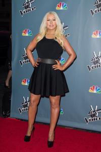 [Fotos+Videos] Christina Aguilera en la Premier de la 4ta Temporada de The Voice 2013 - Página 4 Th_986071359_Christina_Aguilera_69_122_552lo