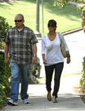 th_99370_Halle_Berry_leaving_her_house_in_LA_11_122_958lo.jpg