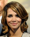 th_59514_Halle_Berry_2009_Jenesse_Silver_Rose_Gala_Auction_in_Beverly_Hills_49_122_980lo.jpg
